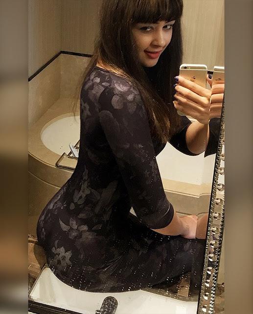 Sapna Vyas Patel Super Hot & Sexy Instagram Pics