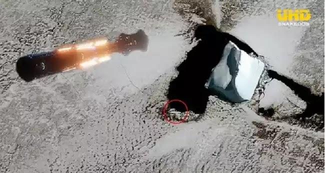 """Μεγάλο επίμηκες αντικείμενο """"αναδύεται"""" στην Ανταρκτική και πολλοί αναρωτιούνται αν σχετίζεται με την Αγκάρθα (video)"""