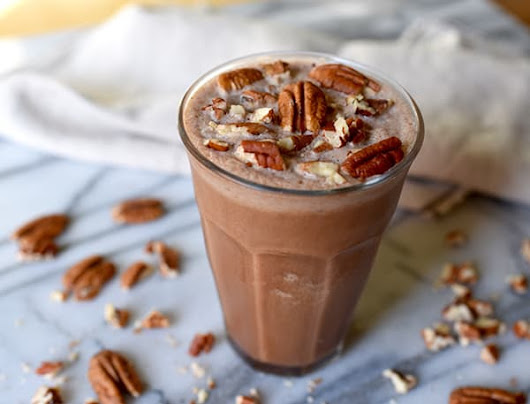 Chocolate Pecan Pie Smoothie