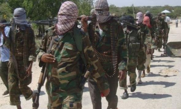 الصومال؛ غارات جوية للجيش الأمريكي تستهدف 62 متمرداً من حركة الشباب في الصومال.
