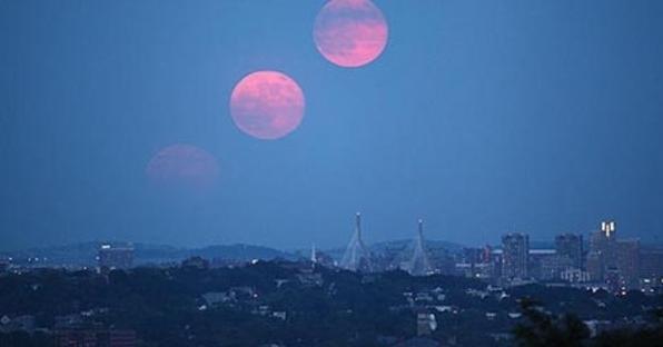 Saksikan Malam Ini, Fenomena Langka Bulan Kembar