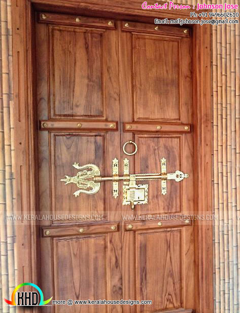 Front door with Manichitrathazhu
