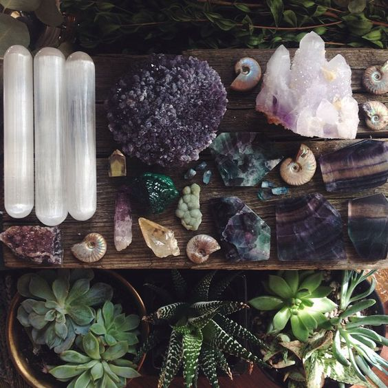 Moon to moon collections crystals and minerals - Garden in small space collection ...