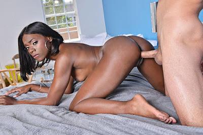 MyFriendsHotGirl – Ana Foxxx (22865)