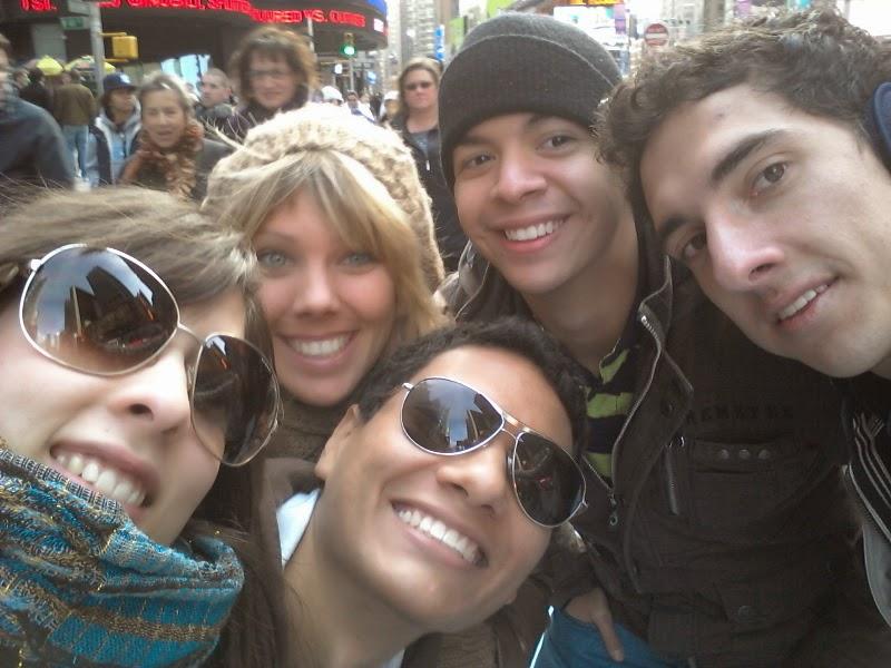 Daniel Afanador con sus amigos en Nueva York en 2012.