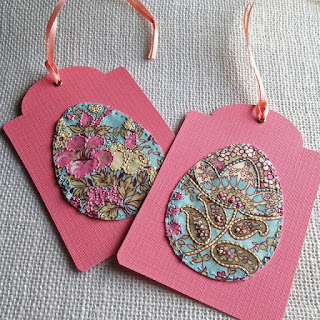 http://kbbcrafts.blogspot.com.es/2016/03/embroidered-easter-egg-tags.html?spref=pi