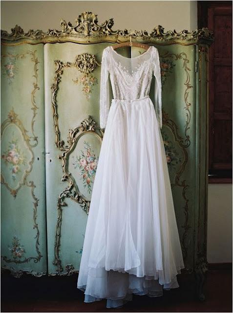 El vestido de novia a punto - Foto: www.lauragordonblog.com
