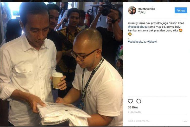 Jokowi Ngopi Di Kedai Tuku