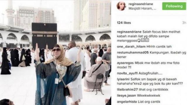 Foto Depan Kaabah Regina Dihujat Netizen! Sampai Ada Yang Melongo Melihat Pose nya