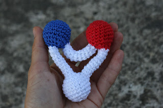 Molecule triangle Rattle, scientific crochet rattle baby toy, hand crocheted, Red Blue White