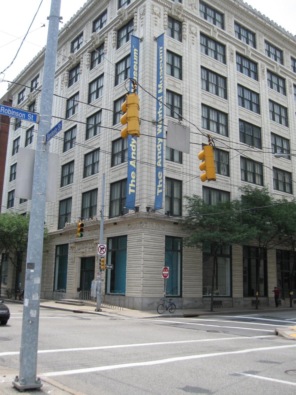 randuwa: The Andy Warhol Museum