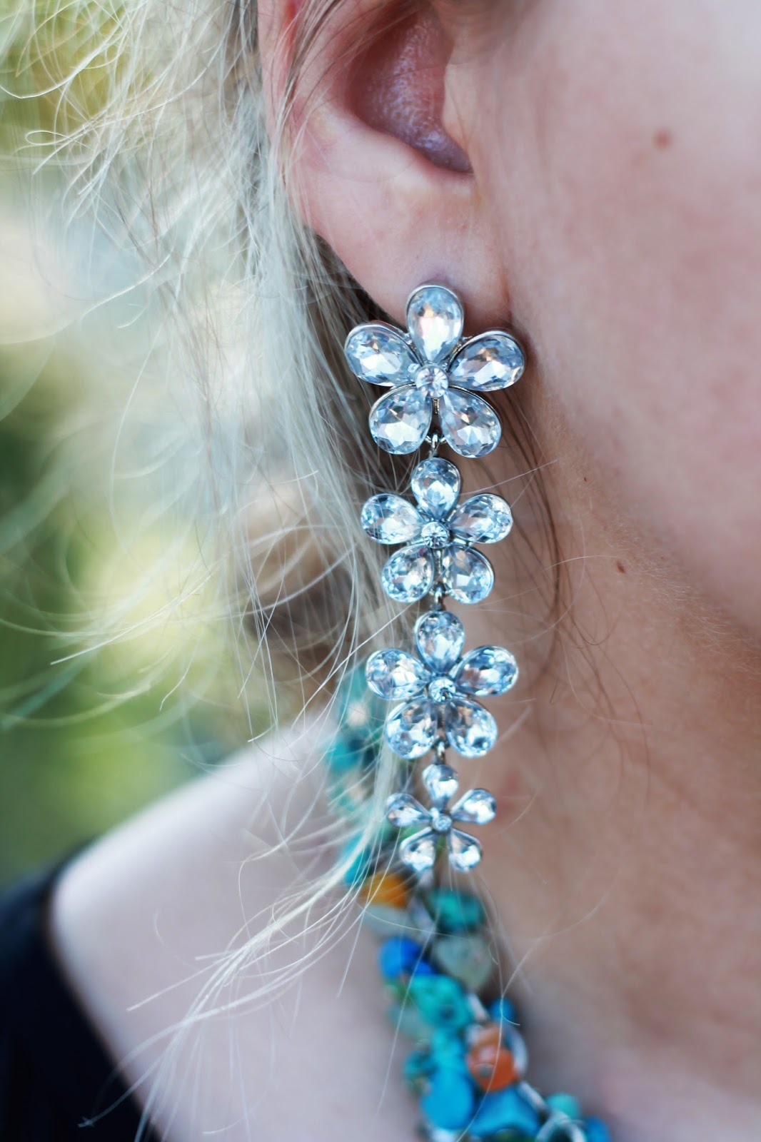 flower-statement-earrings