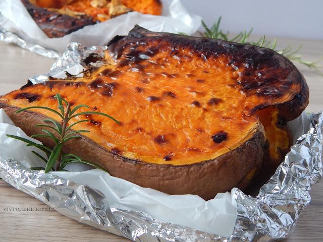 Zucca cotta al forno con il rosmarino