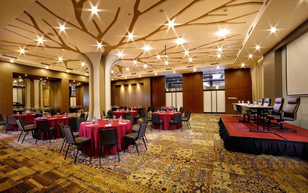 Brits Hotel Mewah, modern dan terbaik di Kota Karawang