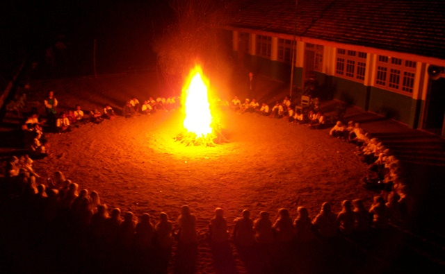 Membuat Api Unggun