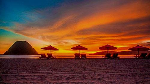 sunset di pantai laguna