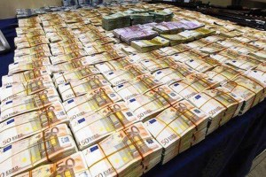 554742bdb2 Βρέθηκαν 19 εκατομμύρια ευρώ σε σπίτι πολιτικού του ΠΑΣΟΚ!
