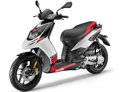 Upcoming 2016 Aprilia SR 150  red & white color Hd pose