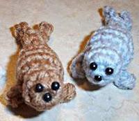 http://allcraftsblogs.com/crochet_toys_patterns/baby_seal/baby_seal.html