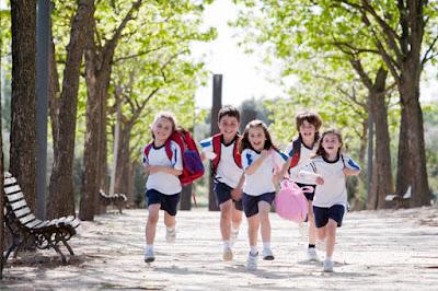 con quién dejar a los niños en verano ideas qué hacer con los niños en vacaciones blog mimuselina