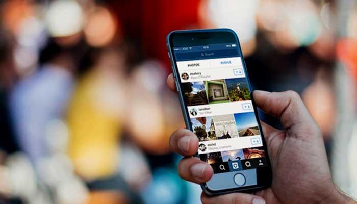 Cara Menggunakan Efek Superzoom pada Instagram Stories