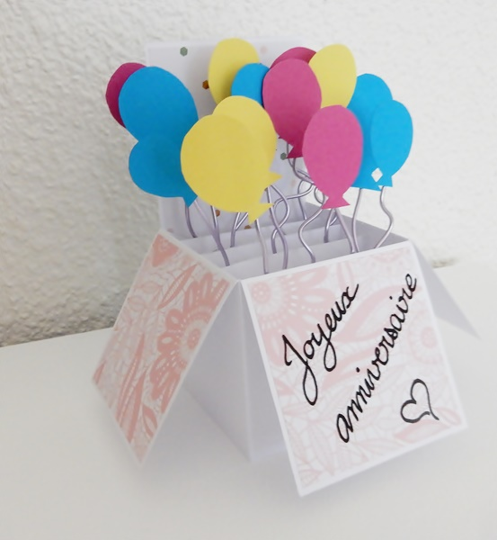 Carte pop-up boite ballons