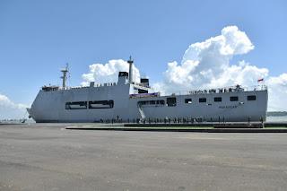 KRI Makassar-590