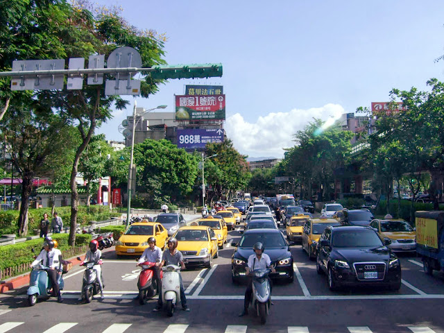 一般道,台北,台湾〈著作権フリー無料画像〉Free Stock Photos