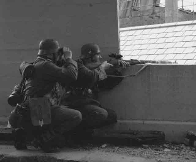 German sniper team, 27 October 1941 worldwartwo.filminspector.com