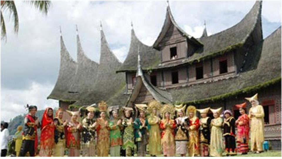 Busana Pengantin Minang yang buruk   Ranah Minangkabau
