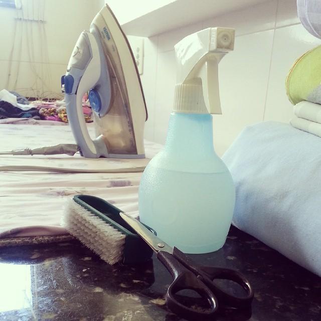 Mesa de passar roupas: o que manter nela?