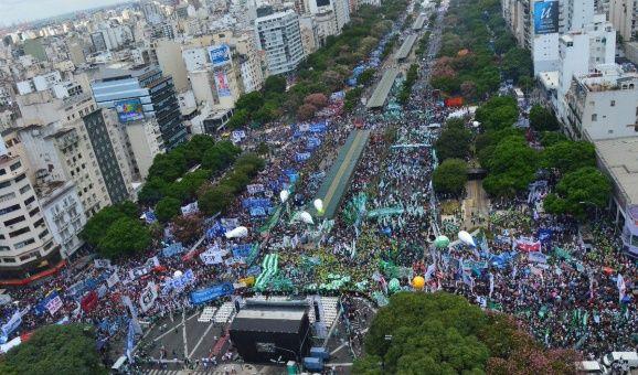 Gobierno argentino minimiza marcha contra medidas económicas