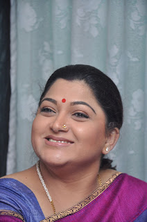 Kushboo in silk saree stills (5).jpg