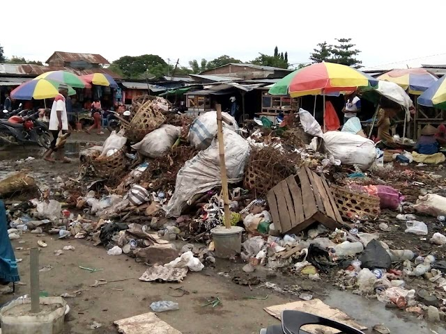 Dipenuhi Sampah, Terminal Tente Jorok dan Semrawut