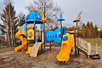 place zabaw dla dzieci, certyfikowane place zabaw, wyposażenie placów zabaw, bezpieczne place zabaw, plac zabaw