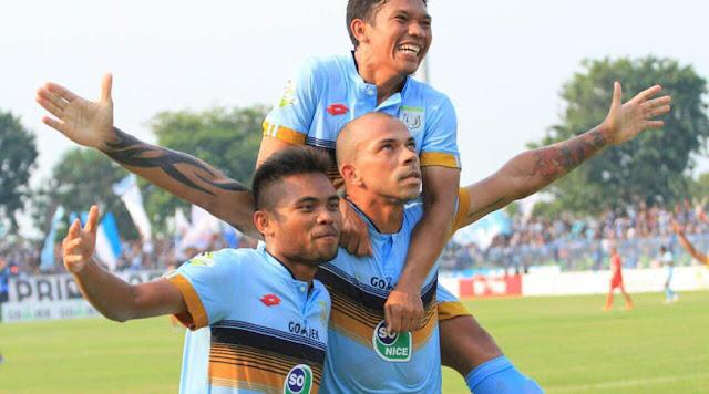 Persela vs PSMS Medan