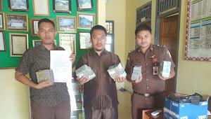 Penyidik Kejari Tebo Terima Uang Pengembalian Hasil Korupsi PNPM Rimbo Bujang