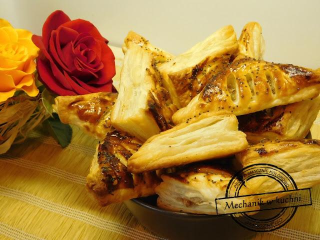 Ciasteczka francuskie z pikantną gruszką Paweł Skiba FB Mechanik w kuchni facet kucharz prowadzi bloga porady kucharskie triki zdjęcia z przepisów krok po kroku etapy przygotowania