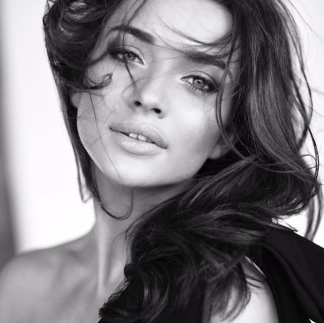 Amy Jackson Movies, Husband, Photos,Age,Profile,Feet,Biodata,Family, Official Website,Boyfriend,Parents