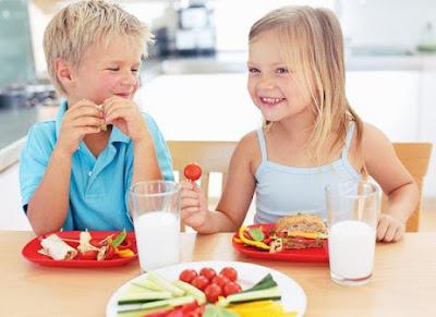 Thực đơn cho bé chậm tăng cân trong các bữa ăn