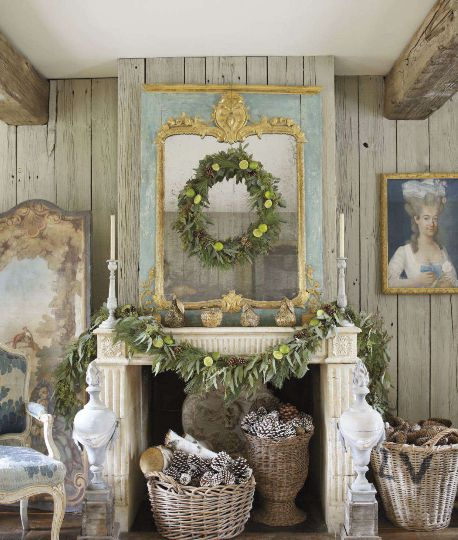 36 ways to decorate the christmas fireplace mantel hello for Decoration veranda