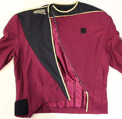 TNG season 1 admiral jacket - zipper closure