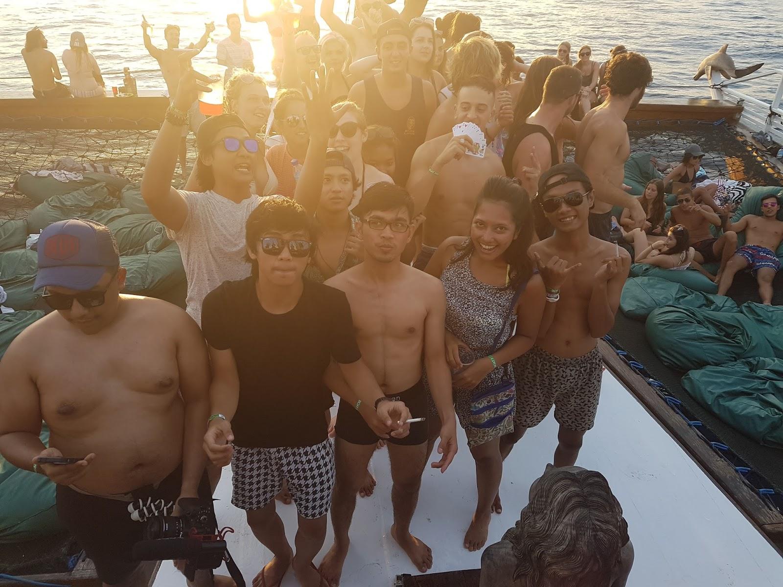 Jiggy boat party Gili Trawangan Indonesia - Ummi Goes Where?