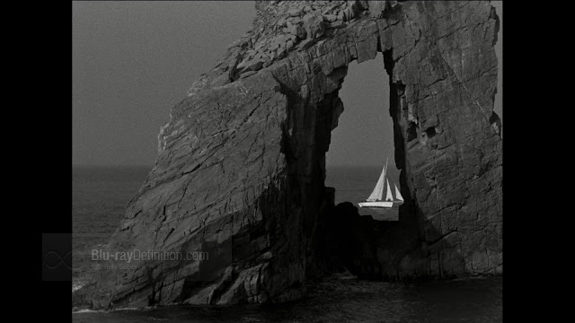 Imagen de 'The Edge of the World (1937)' - Naturaleza agresiva