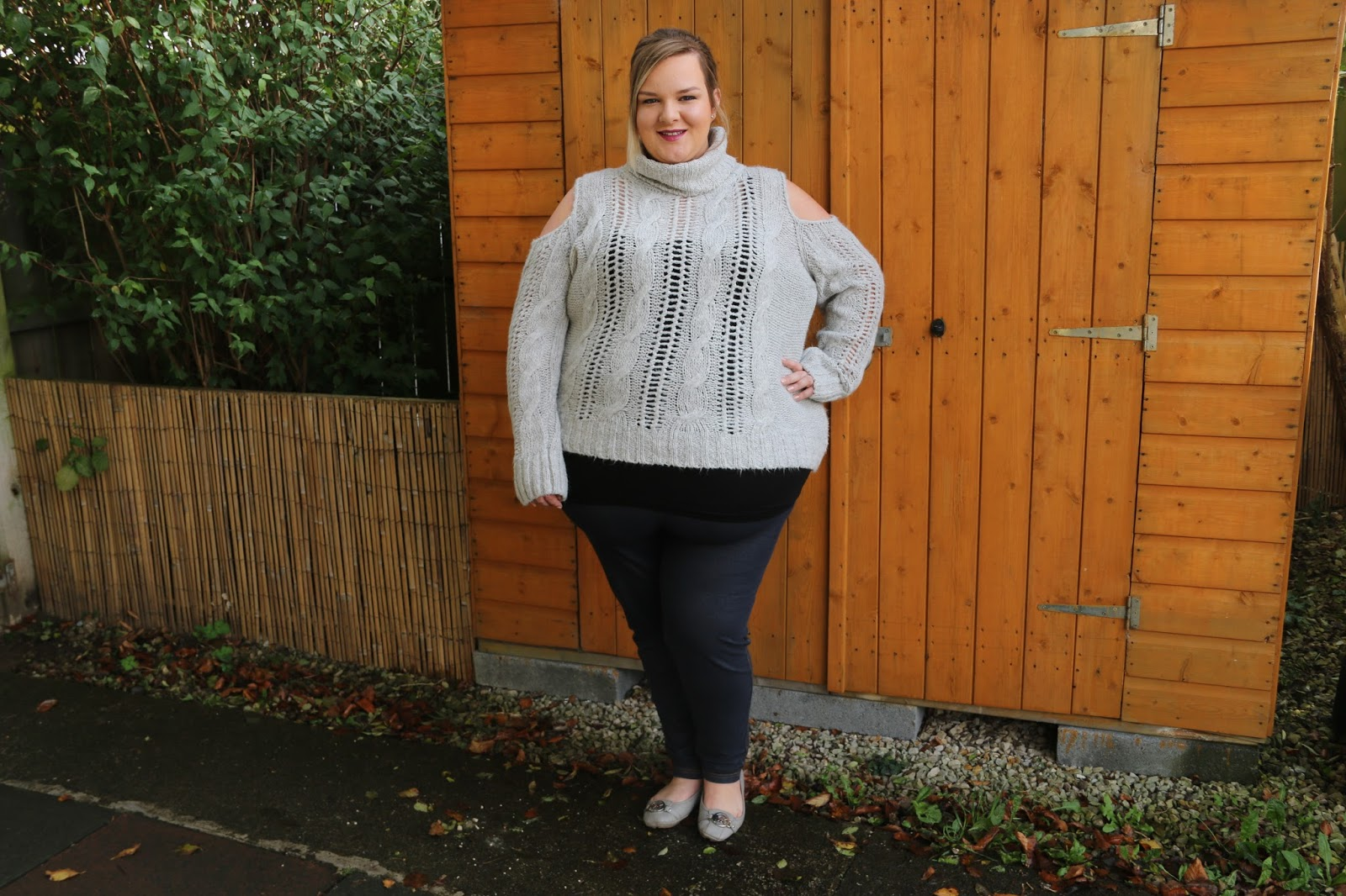 Casual plus size outfit post featuring a grey River Island jumper Image