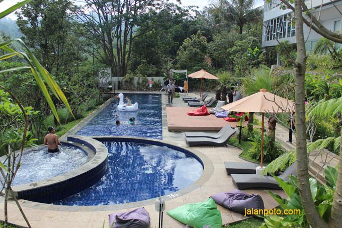 kolam hotel clove bandung