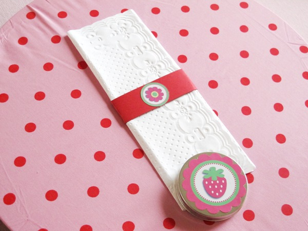 A Strawberry Shortcake Joint Birthday Party - via BirdsParty.com