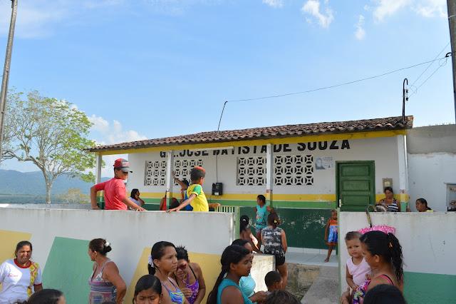 LOCAL: Moradores da Vila do Cajueiro reclamam do fechamento do Grupo Escolar José Bastita de Souza