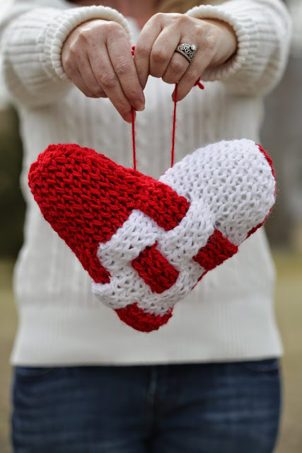 Knitting Pattern Heart Cushion : Loom Knitting by This Moment is Good!: LOOM KNIT HEART PILLOW PATTERN...