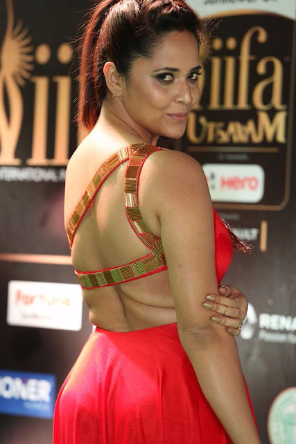 Anasuya Stunning at IIFA Utsavam Awards 2017